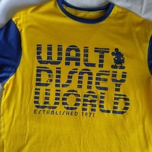 Walt Disney World t-shirt Large